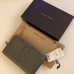 Bottega Veneta French Wallet Intrecciato Gray